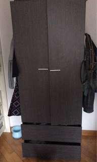 實惠木衣櫃