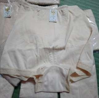 塑型提臀內褲1件(全新,尺寸M-L)