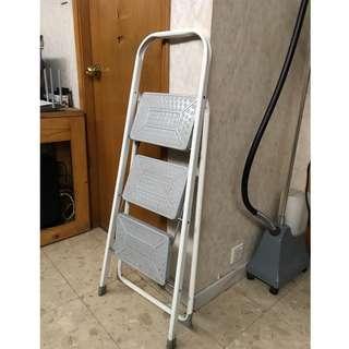 9成新 3層鐵梯 90% New Iron ladder