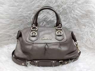 Authentic Coach Bronze Leather shoulderbag Excellent💜💜💜