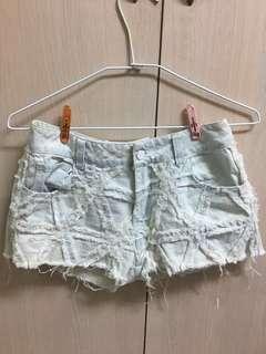 民族風淺色特殊花紋牛仔短褲