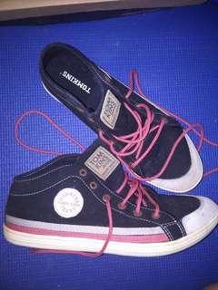 Tomkins Black Pink