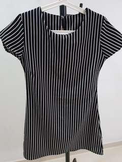 🚚 Stripe dress