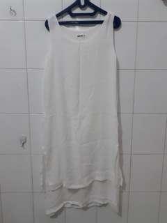 Dress Putih Polos Sedang Midi