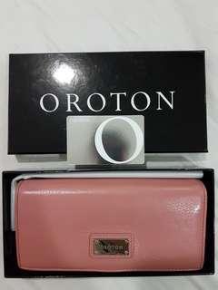 Oroton Women Wallet Purse (Leather)