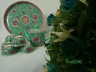 🚚 An Ideal Choice Present Peranakan Green Teapot Set with Specials Box