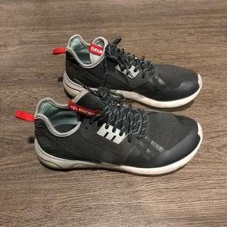 Adidas Tubular US9 Gray