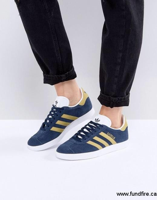 new arrival 29676 a247f Adidas Originals Gazelle Sneakers in Collegiate Navy, Women s Fashion,  Shoes, Sneakers on Carousell