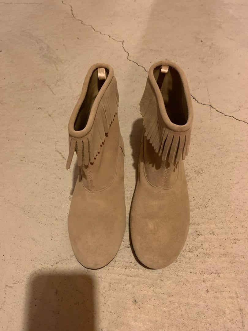 Gap kids flat booties.  Size 6. Can fit an adult size 6