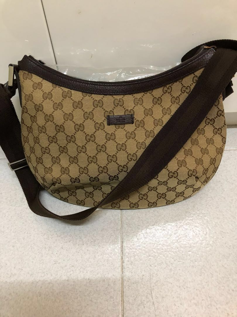 311e6747d58a Gucci Bag Authentic , Women's Fashion, Bags & Wallets, Sling Bags on ...