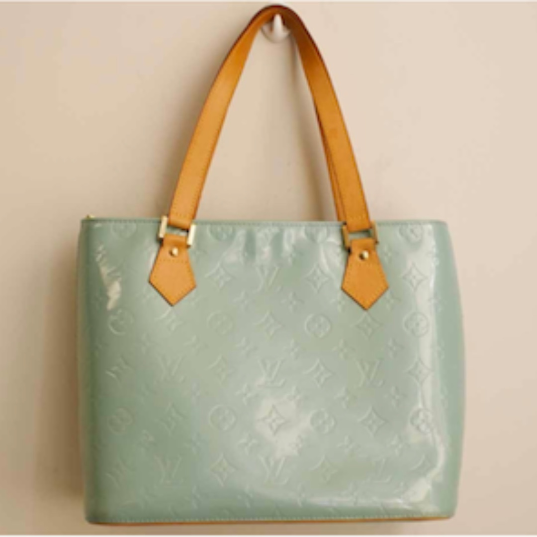 e74c5af8488d Louis vuitton Authentic LV houston Mint green monogram vernis ...