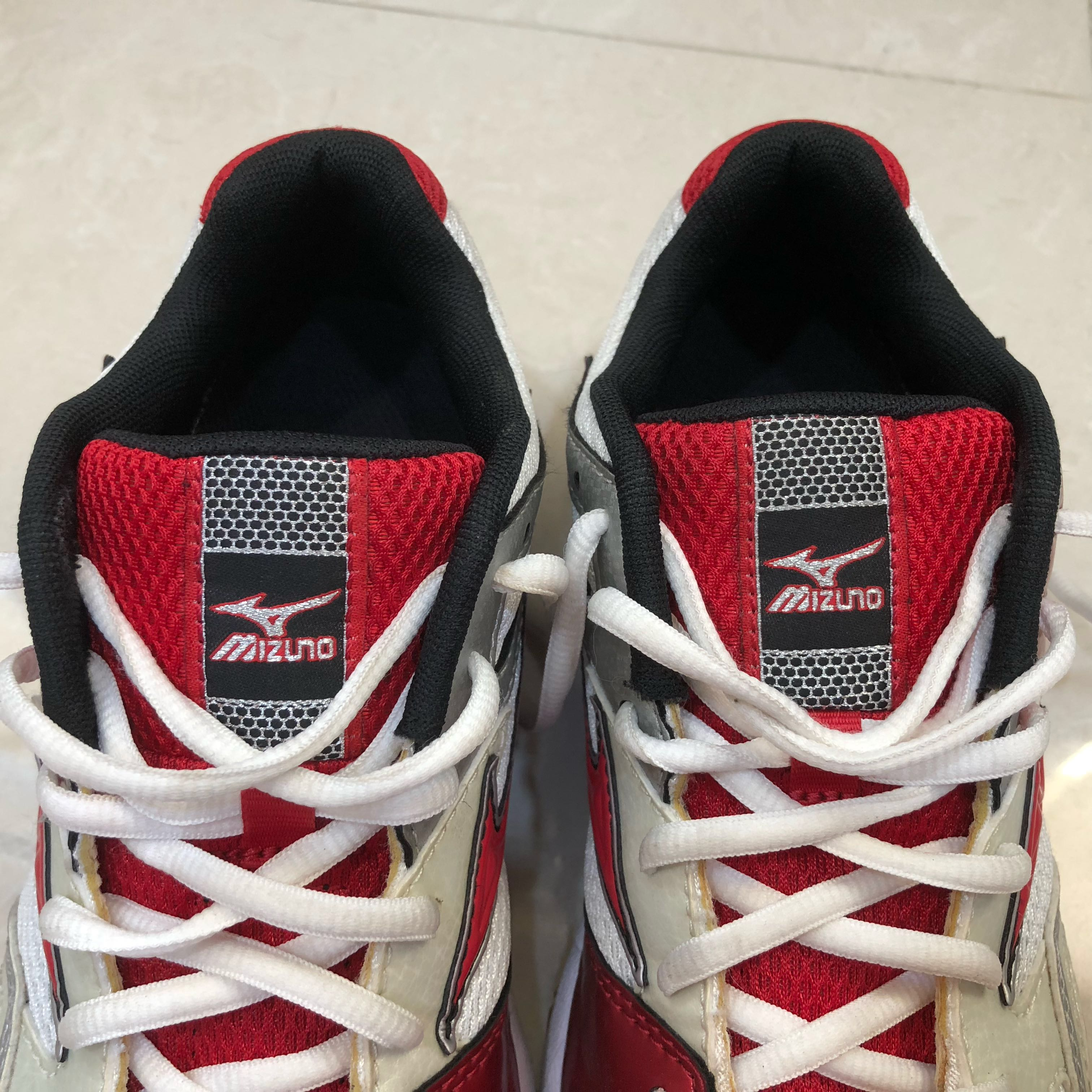999770c4348f Mizuno Women/Youth Wave Bolt 3, Sports, Sports Apparel on Carousell
