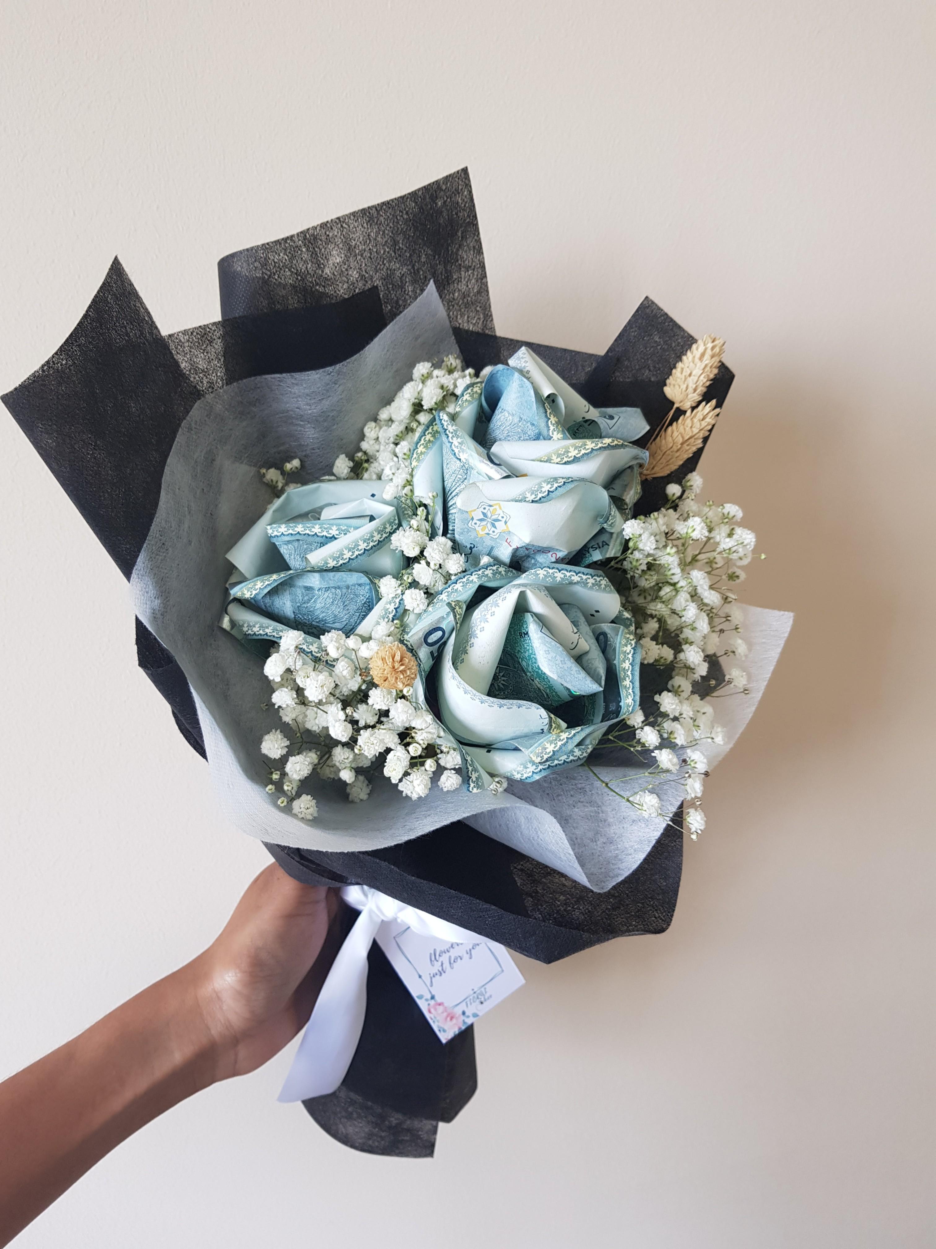 Money Rose Bouquet Money Flower Wedding Gift Duit Hantaran Gardening Flowers Bouquets On Carousell
