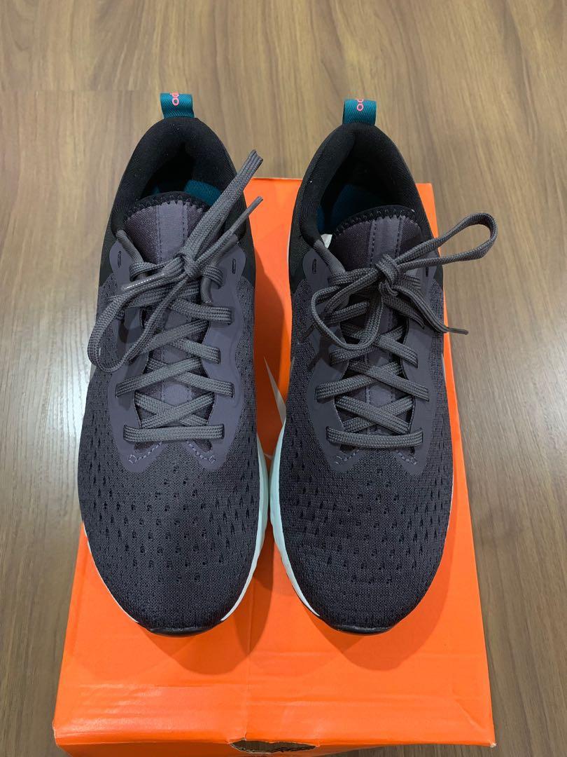 a71ad1b31f09 Nike Womens Odyssey React (Size 7.5)