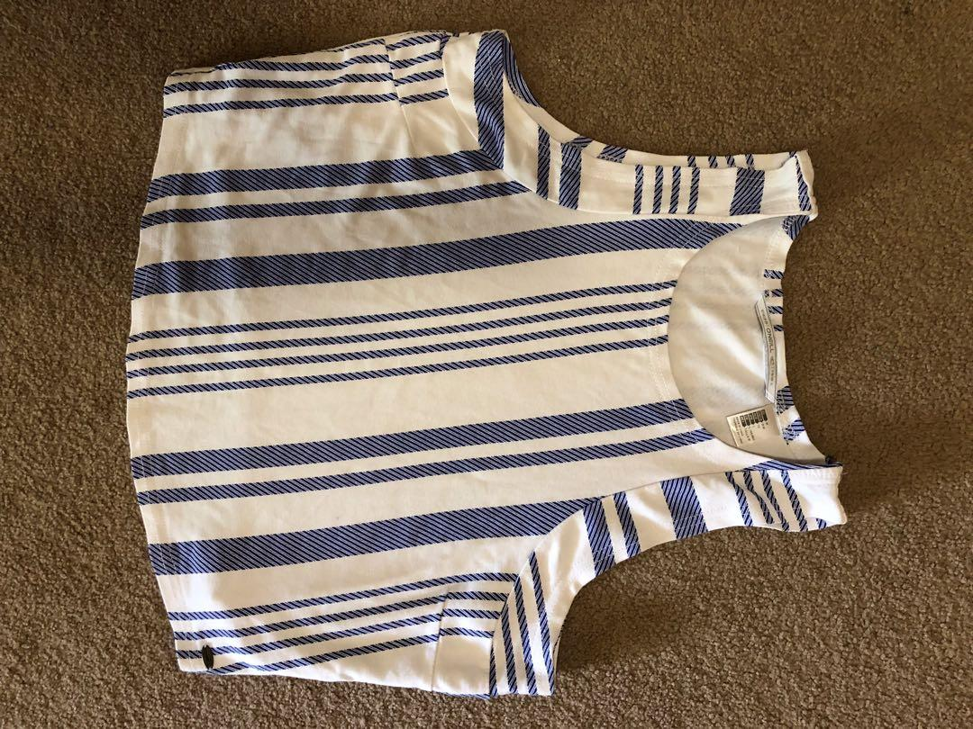 O'Neil top - slightly cropped, worn a few times, good condition