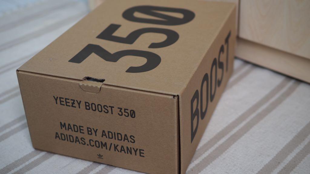 Yeezy Boost 350 V2 Shoe Box, Men's