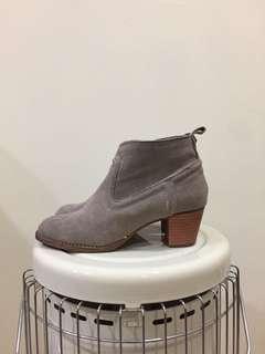 🚚 駝色麂皮高跟踝靴 真皮