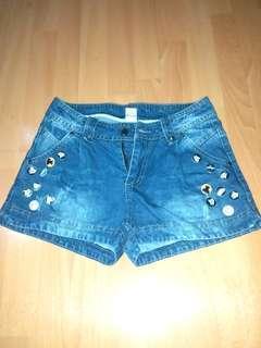Button ripped Denim Shorts
