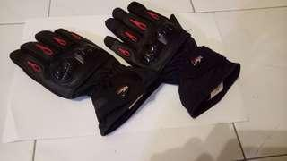 Gloves for riders