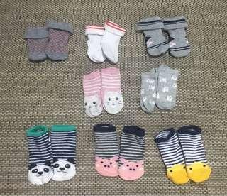 PRE-LOVED: 0-3mos SOCKS ENFANT/Others
