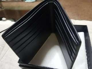 🚚 PRADA Saffiano wallet BNIB