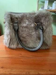 Shopkysse Furry Sling Bag
