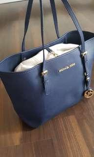 Preloved authentic michael kors - small size