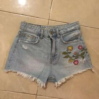 Bershka Jeans Short (High Waist)