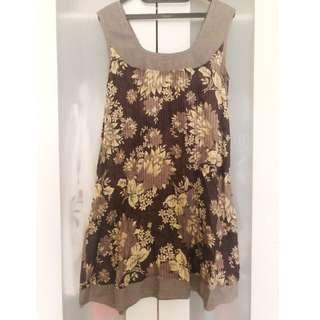 (X) SML Brown Pleated Dress