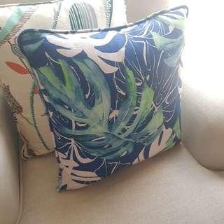🚚 Designer tropical cushions