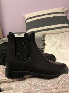 NEW Black Waterproof Chelsea Boots from Call It Spring