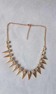 Woman gold crystal stud spikes necklace