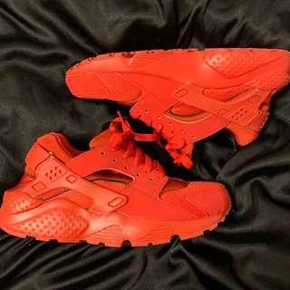 Nike Huaraches. 5.5Y