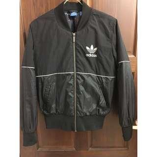 Adidas originals風衣外套ma1款