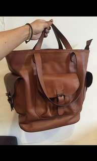 KAYNN genuine leather bag with laptop sleeve