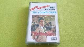 🚚 CLIFF RICHARD . the young ones . Cassette tape not vinyl record