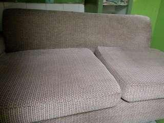 Sofa set 2nd hand but not abused