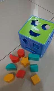 🚚 Playskool 幼兒玩具,認知形狀顏色空間學習