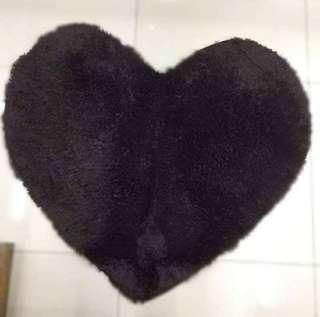 HEART-SHAPET (BLACK)