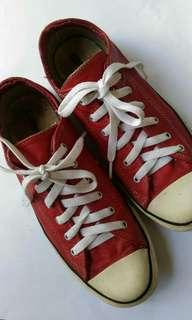 Converse red leather preloved