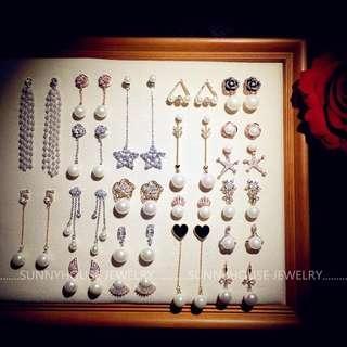 Pre order earrings $150@1