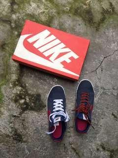 Nike navy red