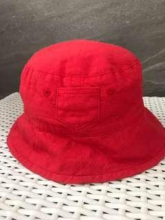 Topi merah red bucket hat