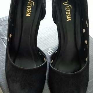 Victoria Black Shoes