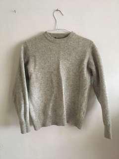 🚚 100%羊毛 香港製淺灰毛衣