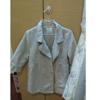 (降價)日貨 tasse tasse淺米色點點八分袖外套 F