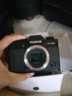 Fujifilm X-T20 (no kit) + 7 artisan lens