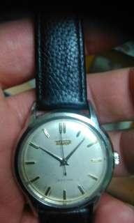 天梭古懂錶手上鍊