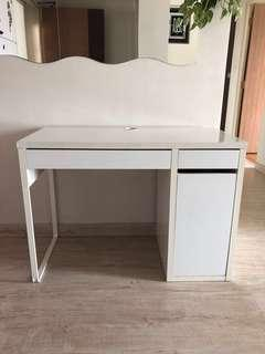 🚚 IKEA MICKE Study Table
