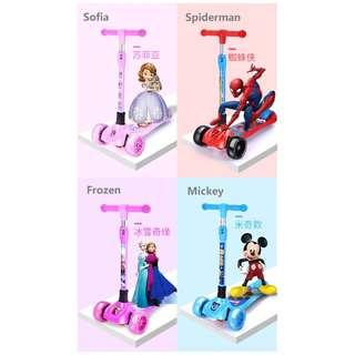 🚚 Disney Scooter – Foldable and Adjustable height with colourful light-flashing (High Quality)